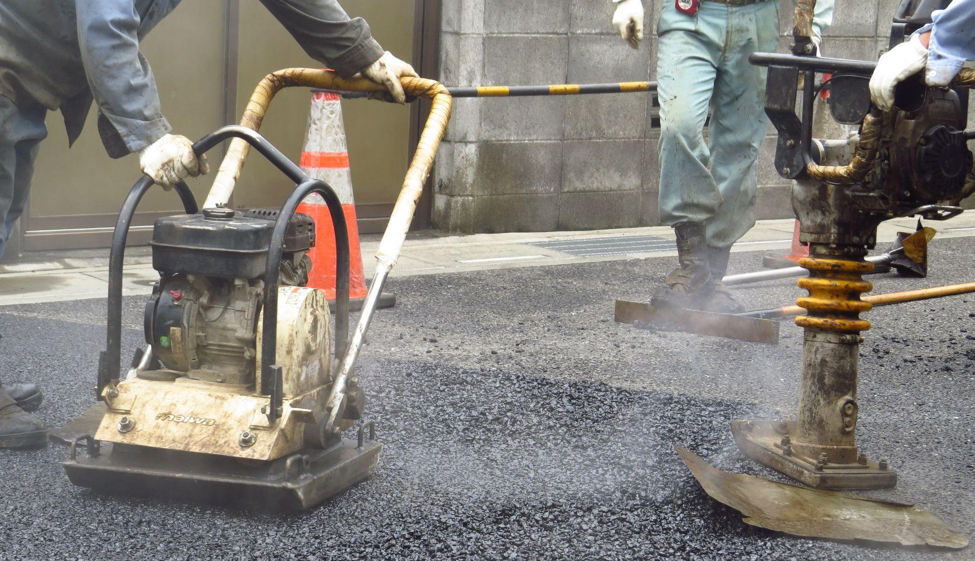 舗装、外構工事のグロース建設株式会社